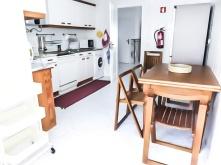 T2 Beach cozinha com varanda vista atrio